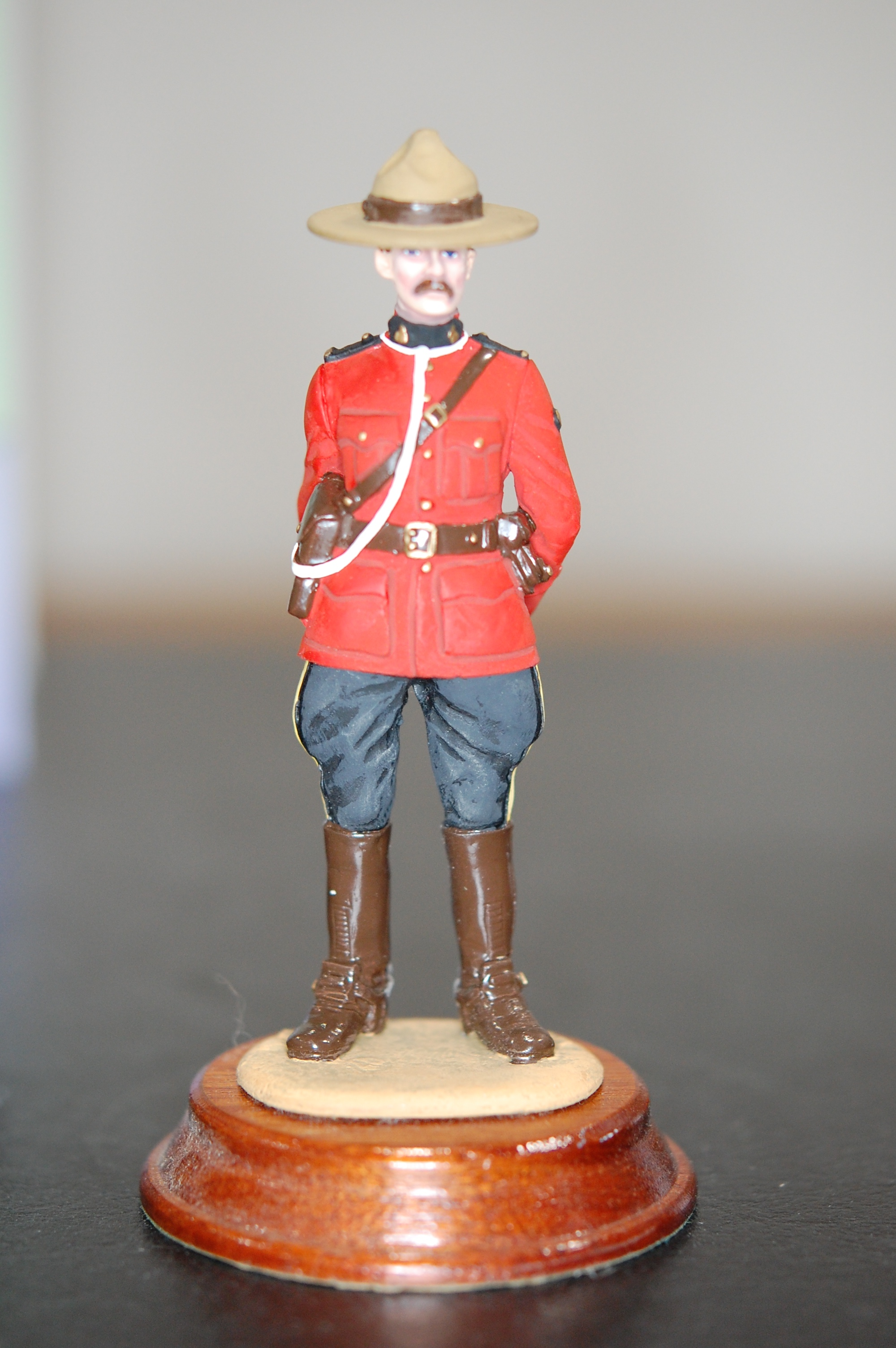 Royal Canadian Mounted Police 4 Red Serge Statue On